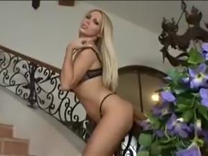Nikki Benz awesome oiled boobs