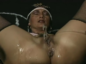 Mature whore gets cunt fucked hard. After wild sex she rewards her man with a...