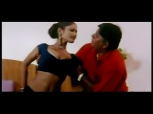 indian hot chick kaamwali maid free