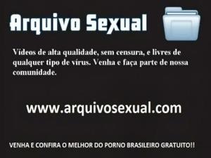 Delicia de ninfeta trepando com o namorado 1 - www.arquivosexual.com free