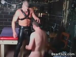 Gay bear in leather chaps getting kinky part1