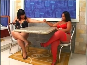 Linette & Natalia - Chubby Brazilians