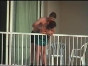 sexo en el balcon del hotel free