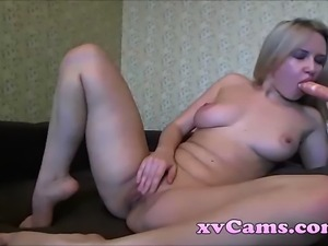 Horny busty blonde dildos pussy on live cam