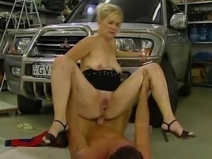 bazso fucked in garage sonia