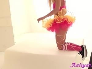 naughty bunny aaliyah love foto session