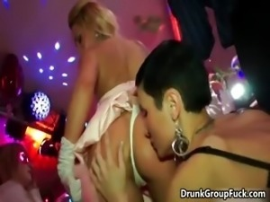 Drunk super sexy women sucking big cock