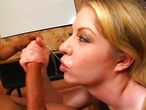 Blonde Haley Scott gives in all holes