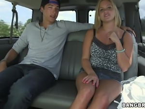 busty babe blows inside the car!
