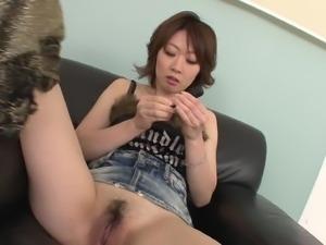 japanese milf loves sex toys