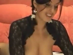Beautiful Latina Camshow free
