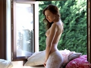 beautiful 18 yo girl undressing