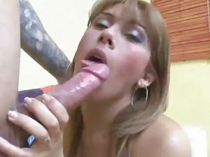 Tasty shemale babe Caroline giving some great head