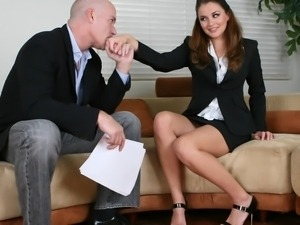 Glorious dude banging pretty Allie Haze