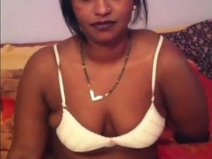 Indian Auntie Shows Tits