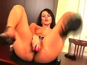 Glamorous Katerina Nova with black hair and big juicy ass spreads her minge...