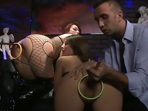 Enjoy hardcore orgy with delicious slinky Jynx Maze, Nicki Hunter and Keiran Lee