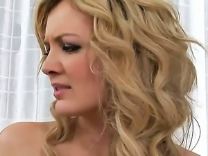 Blonde alluring clam smackers Faye Barts and Candy show the way they treat...