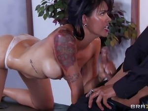 Dana Vespoli is desposing of the traces of her machinations.