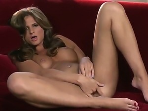Attractive brunette Daisy Lynn with emormous jicy tits stretches and fingers...