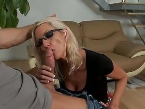 Bill Bailey enjoys deep fucking hot blonde milf Emma Starr and ravage her...