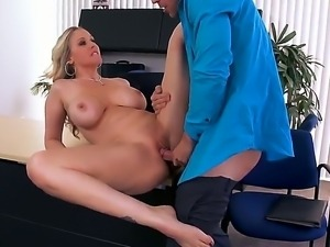 Johnny Sins enjoys having naughty mature blonde Julia Ann stimusexy his long...
