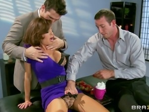 Big titted mom Veronica Avluv has a great time with