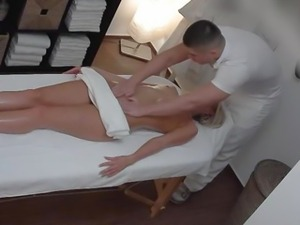 Beautiful Blonde Gets Oil Massage & Fuck as Bonus