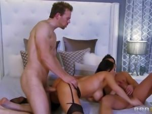 Vanilla Deville is a big titted milf that loses control.