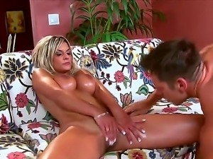 Pretty fellow Johnny Castle spends cool time with big boobed blondie Klarisa...