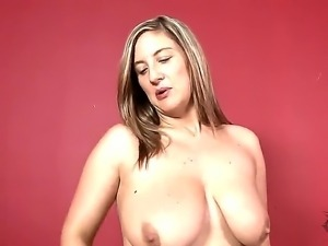 Amateur brunette Jenny Badeau with wedding ring on hand gets naked at her...