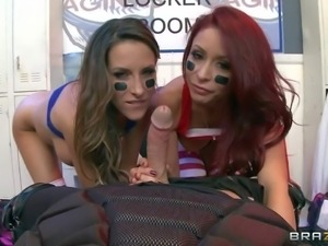 Sporty babes Monique Alexander and Kortney Kane enjoy in getting their hands...