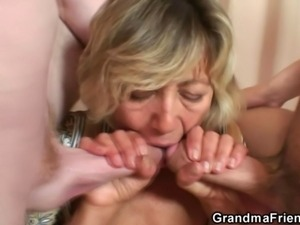 Threesome roleplay with mature lady