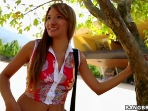 Arousing and slim havaian babe with long nice hair and natural boobs gets...