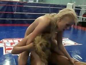 Two frisky babes Linda Ray and Teena Dolly enjoy showing which one of them is...