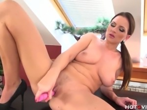 This European MILF has big natural boobs and she loves to please her pussy...