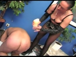 Busty brunette mature slut waxing kinky guy