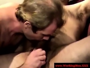 Southern mature bear gets hot blowjob from hungry amateur