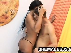 Latina shemale giving some relaxing blowjob