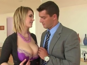 American Busty Pornstar Siri Titty Fucks With Her 32H Melons