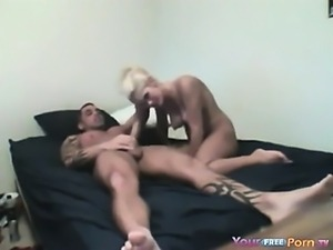 Bodybuilder Fucks His Blonde GFs Pussy Broke