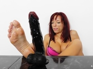 these feet can make you cum