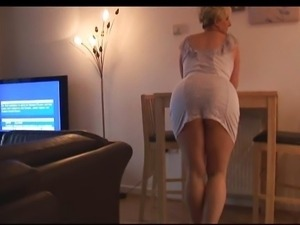 Mature milf in pantyhose striptease