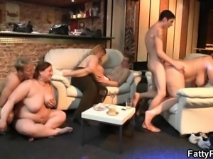 BBW gives head and gets boned from behind