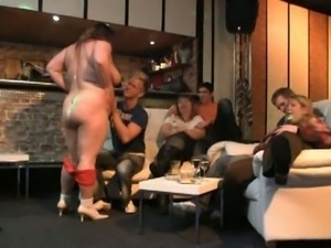 Fatty admirers get lucky to fuck them in the pub