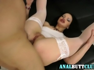 Deep throating fetish hoe gets her gaping ass rammed