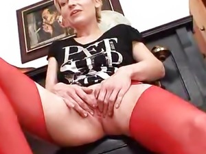Blondie madame in red stockings lousy fake dong action
