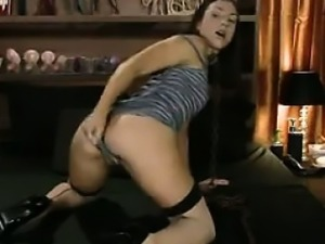 Flexible Bitch Masturbating