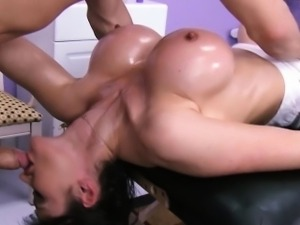 Eva Kareras pussy rubdown at a massage