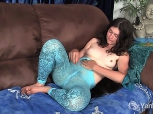 Shameless eye-folded amateur brunette masturbating her tiny beaver